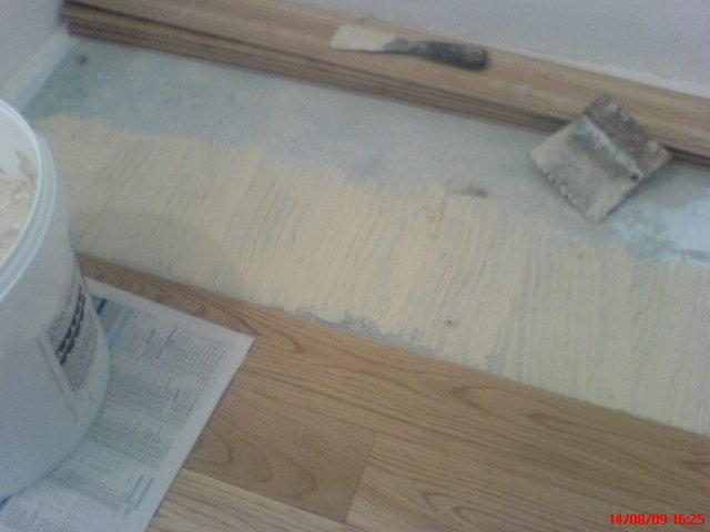 parquet flottant massif plinthes pose lame joint dilatation cales lambourdes bois massif. Black Bedroom Furniture Sets. Home Design Ideas