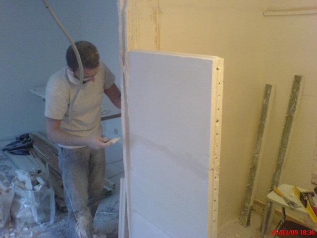 cloison beton cellulaire plaques de platre carreaux platre defonceuse placard portes coulissantes. Black Bedroom Furniture Sets. Home Design Ideas